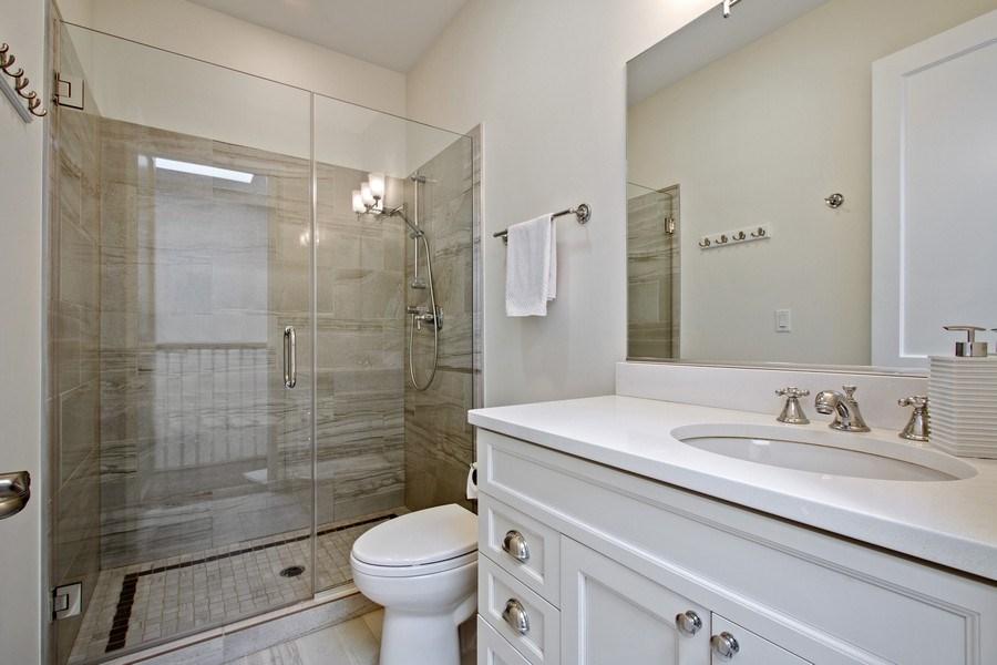 Real Estate Photography - 1834 S. CALUMET Avenue, Unit 3, Chicago, IL, 60616 - 3rd Bathroom