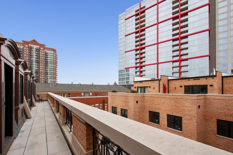 Real Estate Photography - 1834 S. CALUMET Avenue, Unit 3, Chicago, IL, 60616 - Terrace