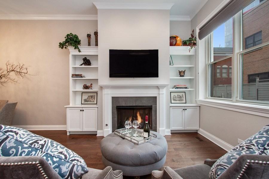 Real Estate Photography - 1834 S. CALUMET Avenue, Unit 3, Chicago, IL, 60616 - Living Room