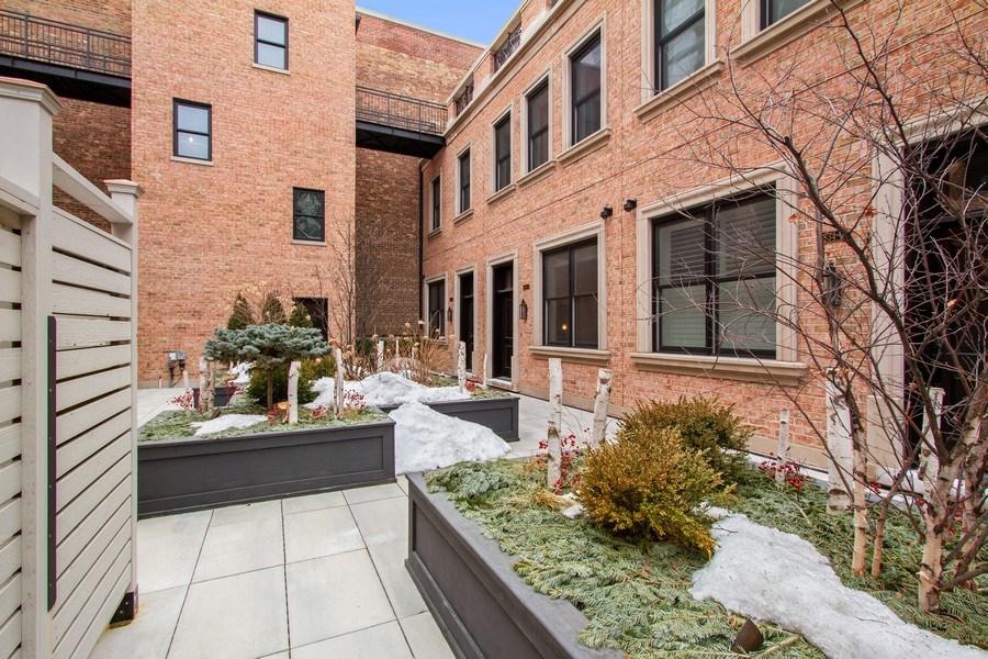 Real Estate Photography - 1834 S. CALUMET Avenue, Unit 3, Chicago, IL, 60616 - Front View