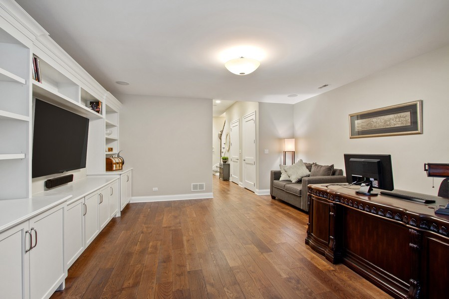 Real Estate Photography - 1834 S. CALUMET Avenue, Unit 3, Chicago, IL, 60616 - Family Room