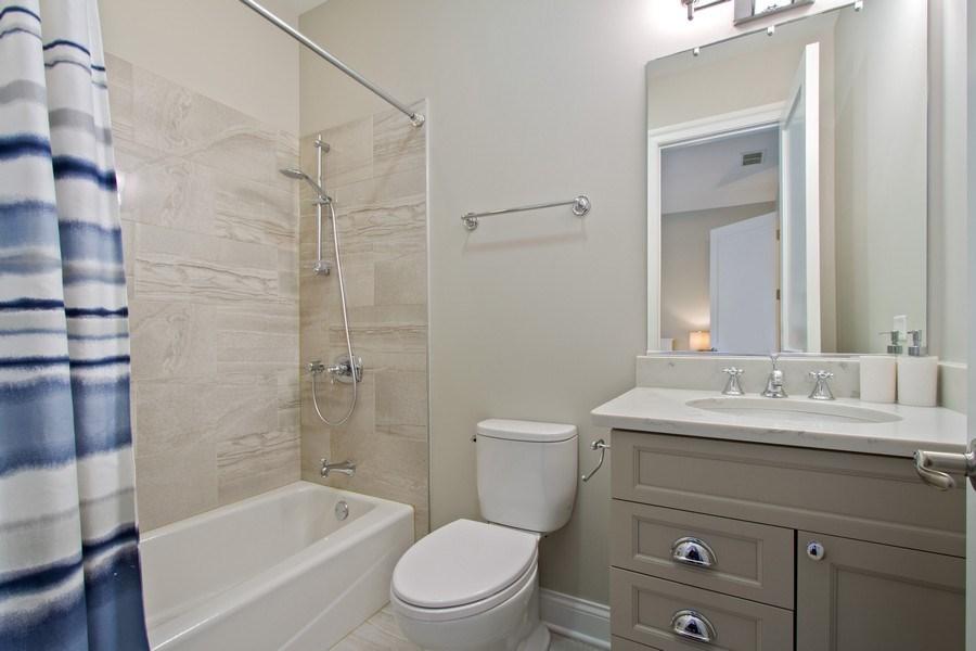 Real Estate Photography - 1834 S. CALUMET Avenue, Unit 3, Chicago, IL, 60616 - 2nd Bathroom