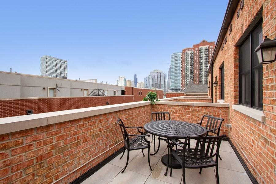 Real Estate Photography - 1834 S. CALUMET Avenue, Unit 3, Chicago, IL, 60616 - Balcony