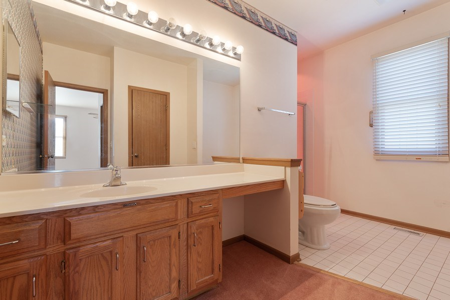Real Estate Photography - 645 DOGLEG Lane, Bartlett, IL, 60103 - Master Bathroom