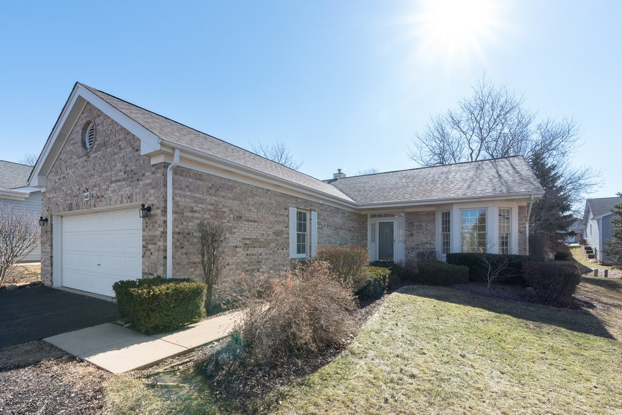 Real Estate Photography - 645 DOGLEG Lane, Bartlett, IL, 60103 - Front View