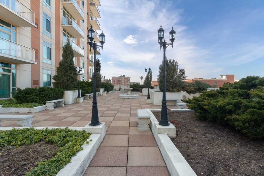 Real Estate Photography - 230 W. Division Street, Unit 801, Chicago, IL, 60610 -