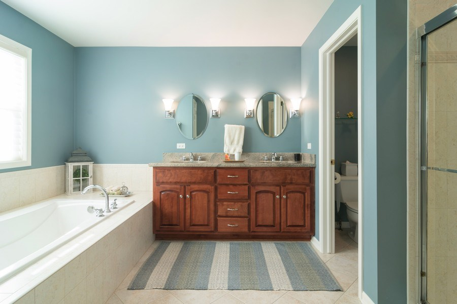 Real Estate Photography - 460 W. Haleys Hill Court, Palatine, IL, 60074 - Master Bathroom
