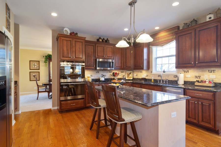 Real Estate Photography - 460 W. Haleys Hill Court, Palatine, IL, 60074 - Kitchen