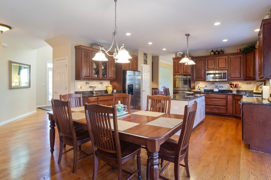 Real Estate Photography - 460 W. Haleys Hill Court, Palatine, IL, 60074 - Breakfast Nook