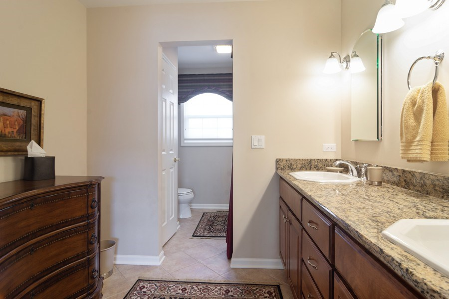 Real Estate Photography - 460 W. Haleys Hill Court, Palatine, IL, 60074 - 2nd Bathroom