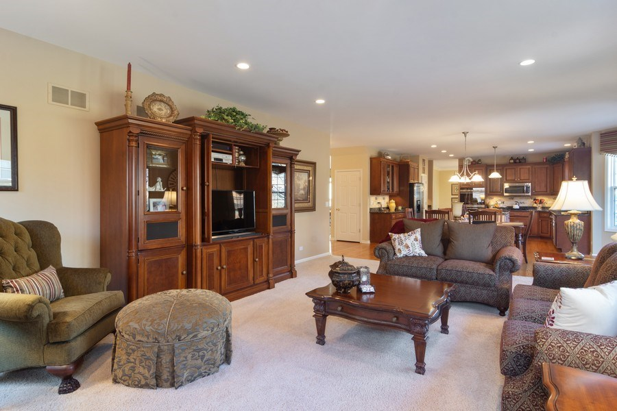 Real Estate Photography - 460 W. Haleys Hill Court, Palatine, IL, 60074 - Family Room / Kitchen