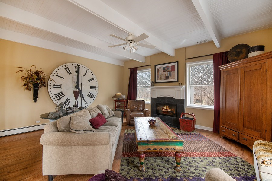 Real Estate Photography - 1528 N Loomis St, Naperville, IL, 60563 - Family Room