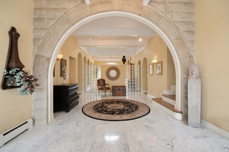 Real Estate Photography - 1528 N Loomis St, Naperville, IL, 60563 - Foyer