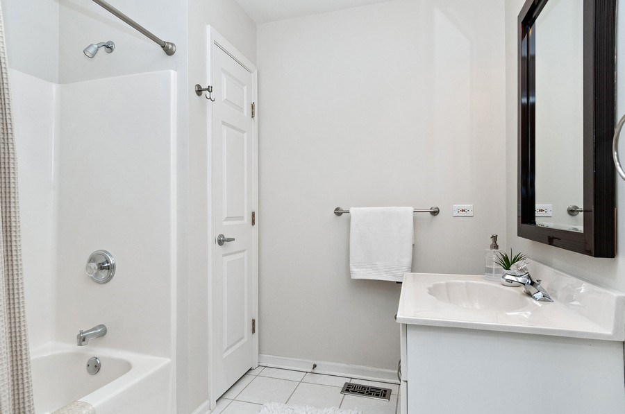 Real Estate Photography - 2215 Comstock Lane, Naperville, IL, 60564 - 2nd Bathroom