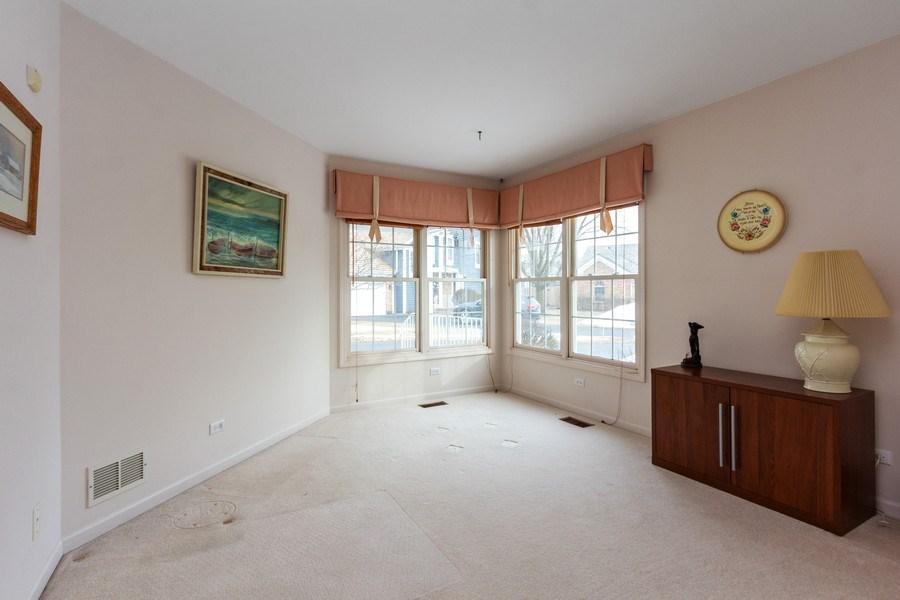 Real Estate Photography - 460 Park Barrington Drive, Barrington, IL, 60010 - 2nd Bedroom