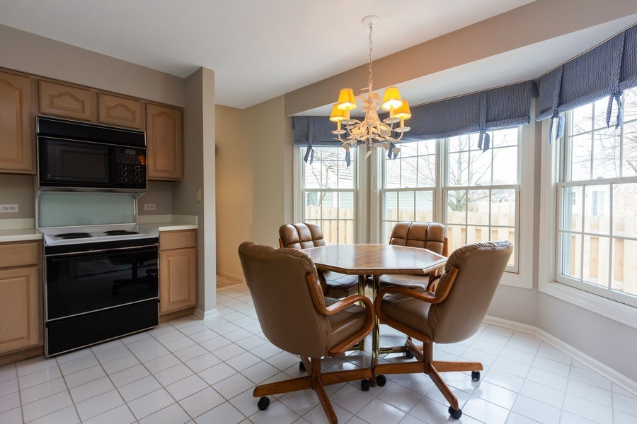 Real Estate Photography - 460 Park Barrington Drive, Barrington, IL, 60010 - Dining Area