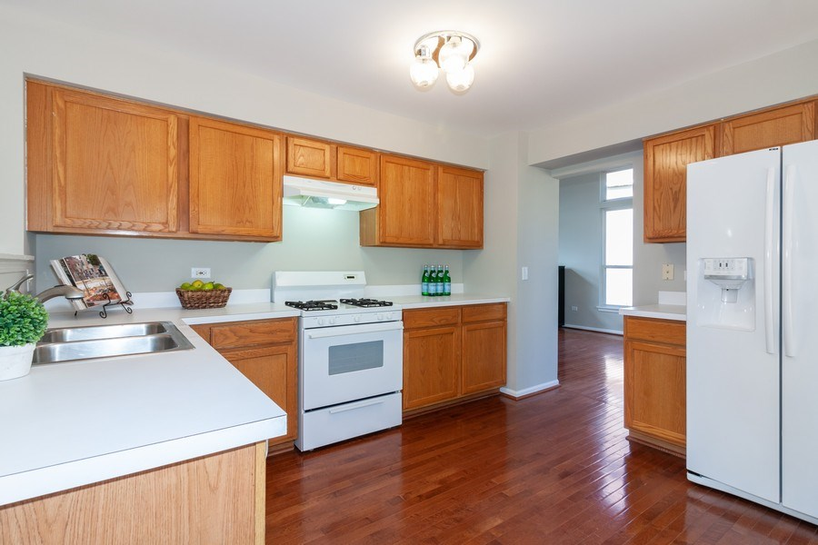Real Estate Photography - 146 Cider Street, Bolingbrook, IL, 60490 - Kitchen