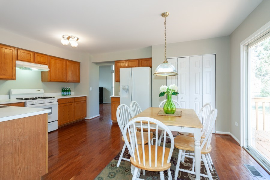 Real Estate Photography - 146 Cider Street, Bolingbrook, IL, 60490 - Kitchen / Breakfast Room