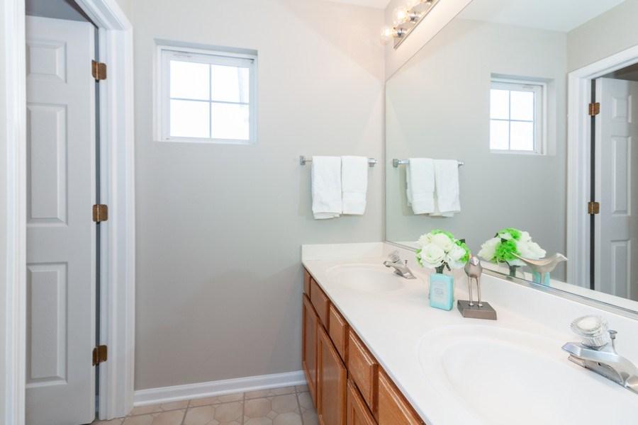 Real Estate Photography - 146 Cider Street, Bolingbrook, IL, 60490 - Bathroom
