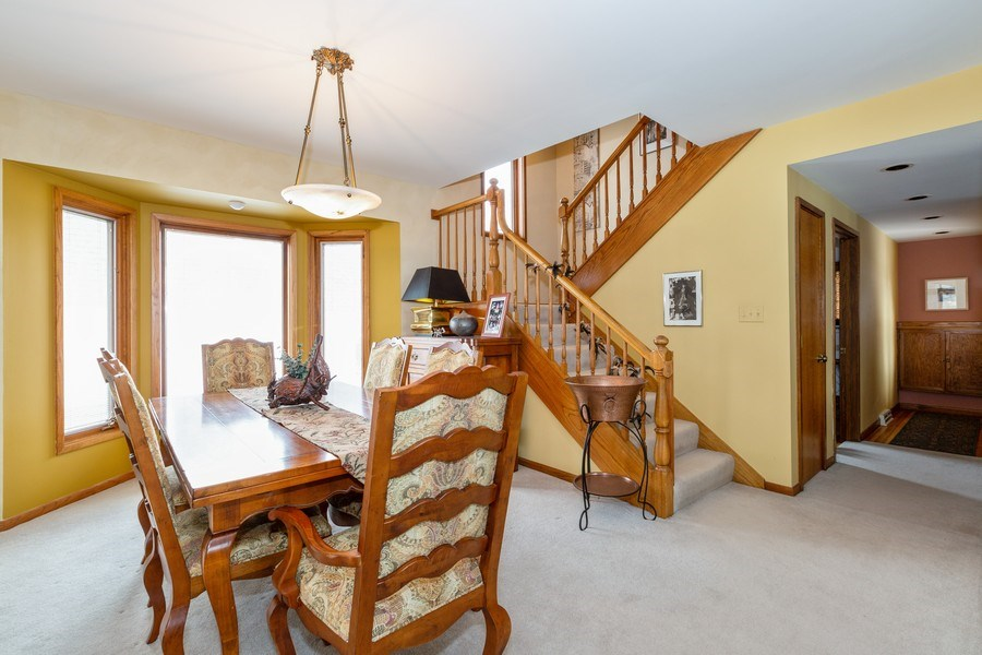 Real Estate Photography - 1113 CRANE Boulevard, Libertyville, IL, 60048 - Dining Room