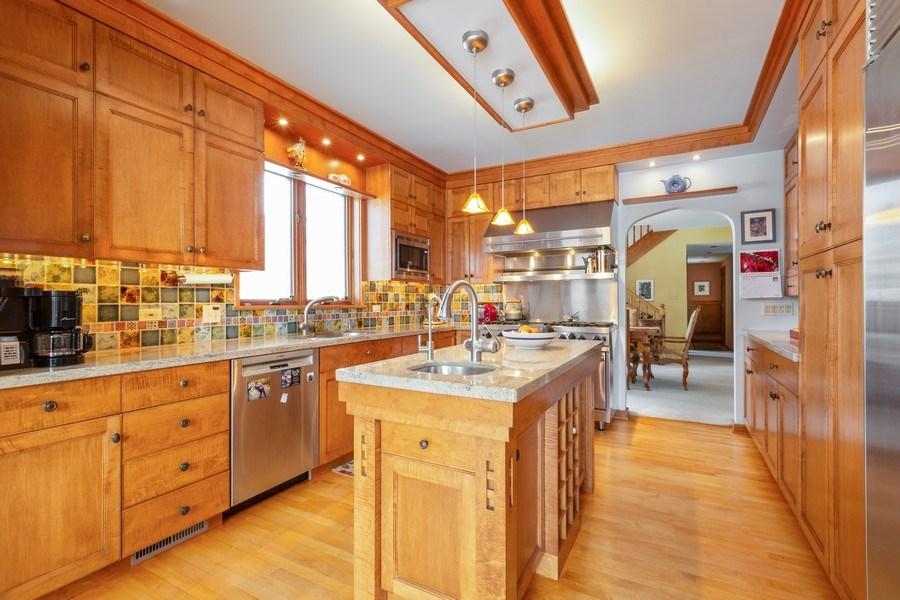 Real Estate Photography - 1113 CRANE Boulevard, Libertyville, IL, 60048 - Kitchen
