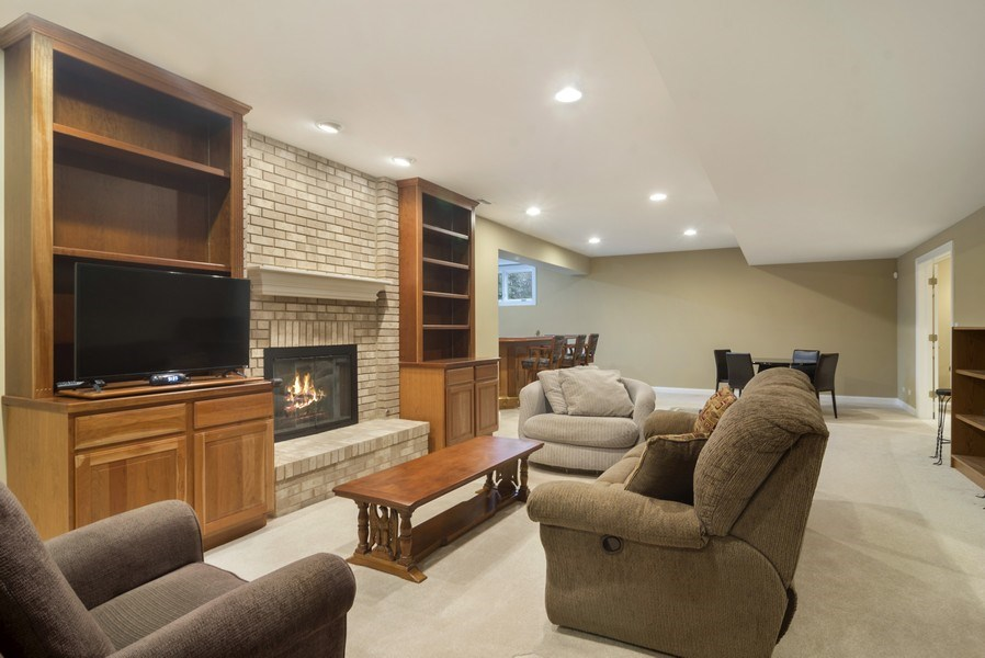 Real Estate Photography - 24 Kingsborough Cove, Inverness, IL, 60010 - Recreation Room