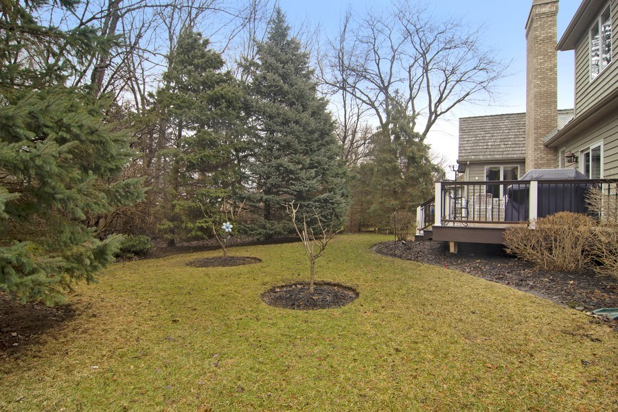 Real Estate Photography - 24 Kingsborough Cove, Inverness, IL, 60010 - Back Yard