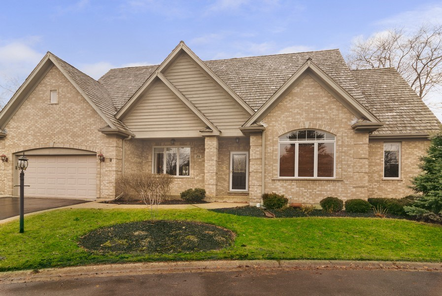 Real Estate Photography - 24 Kingsborough Cove, Inverness, IL, 60010 - Front View
