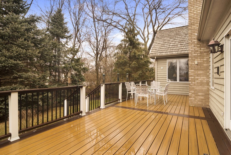Real Estate Photography - 24 Kingsborough Cove, Inverness, IL, 60010 - Deck