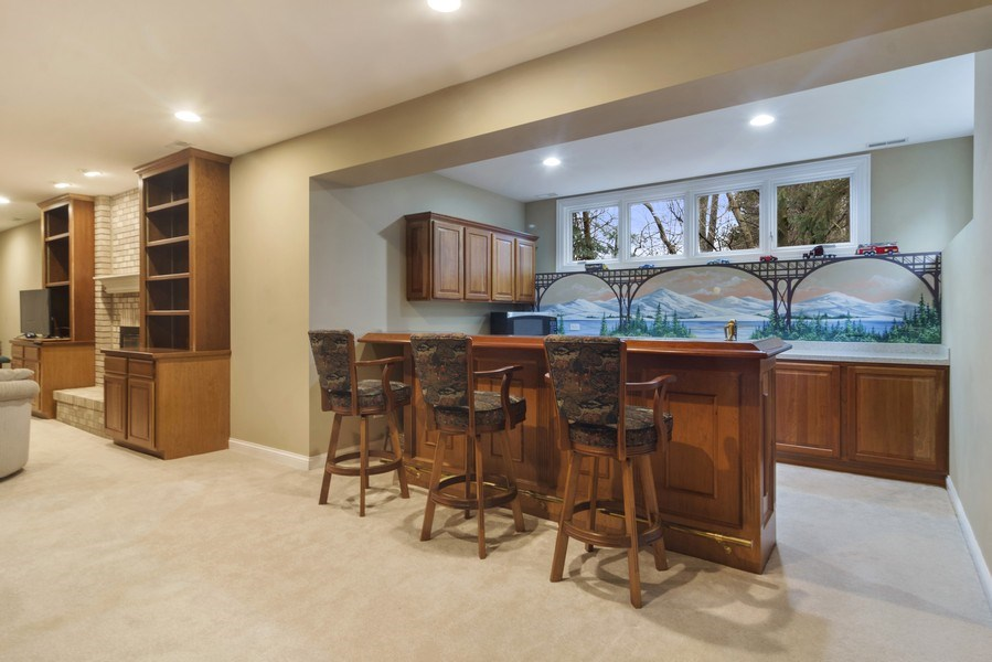 Real Estate Photography - 24 Kingsborough Cove, Inverness, IL, 60010 - Bar