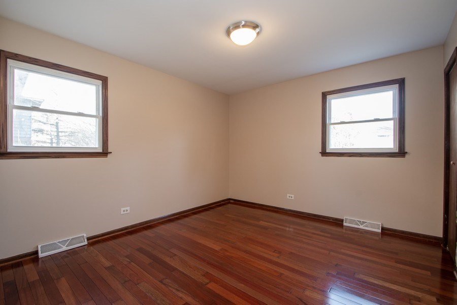 Real Estate Photography - 3033 Alexander crescent, Flossmoor, IL, 60422 - 2nd Bedroom