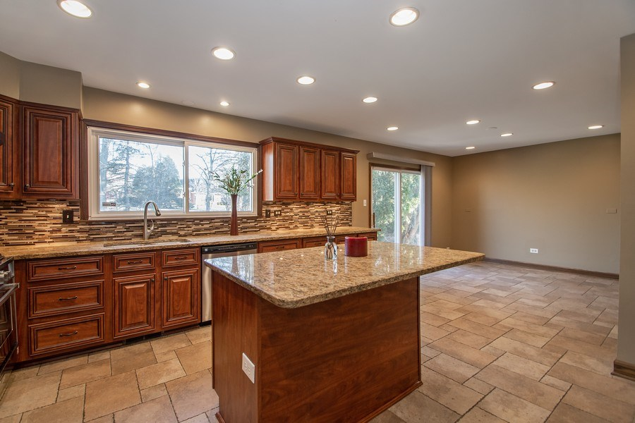 Real Estate Photography - 3033 Alexander crescent, Flossmoor, IL, 60422 - Kitchen / Breakfast Room