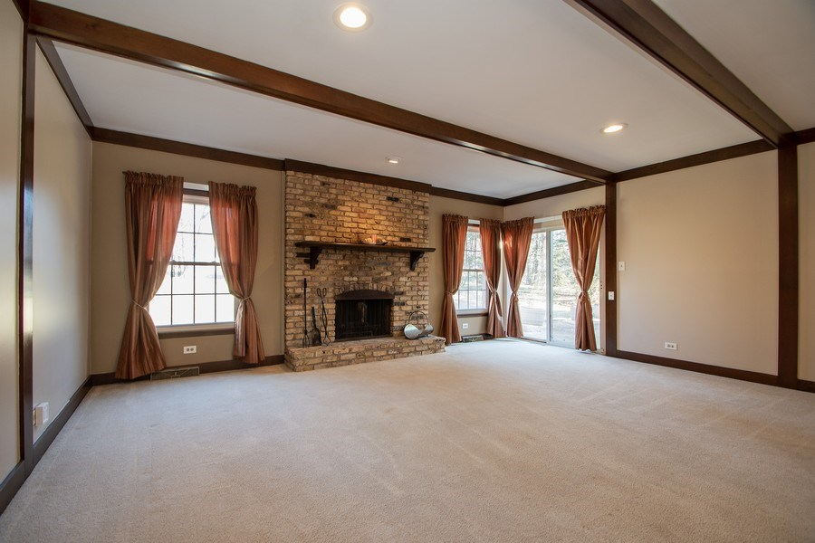 Real Estate Photography - 3033 Alexander crescent, Flossmoor, IL, 60422 - Family Room