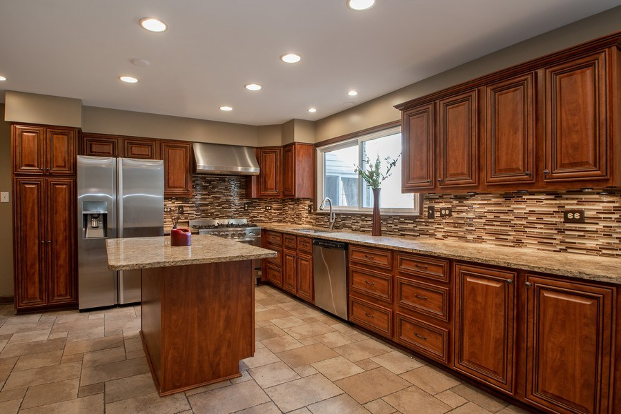 Real Estate Photography - 3033 Alexander crescent, Flossmoor, IL, 60422 - Kitchen