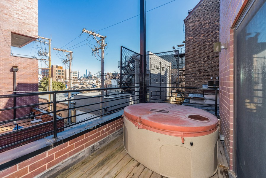 Real Estate Photography - 1353 N. NOBLE Street, Unit 2, Chicago, IL, 60642 - Deck