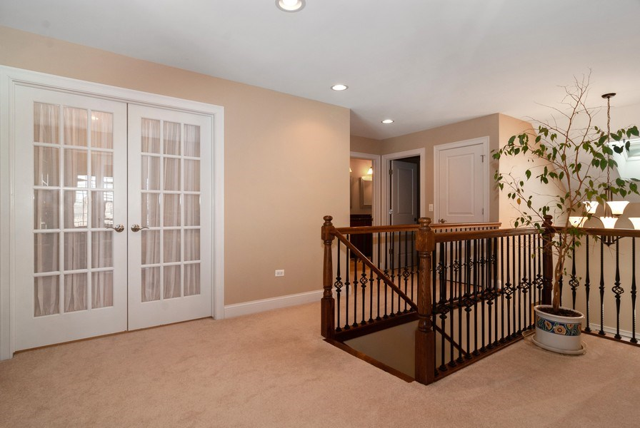 Real Estate Photography - 2707 Nicole Circle, Aurora, IL, 60502 - 2nd Floor Corridor