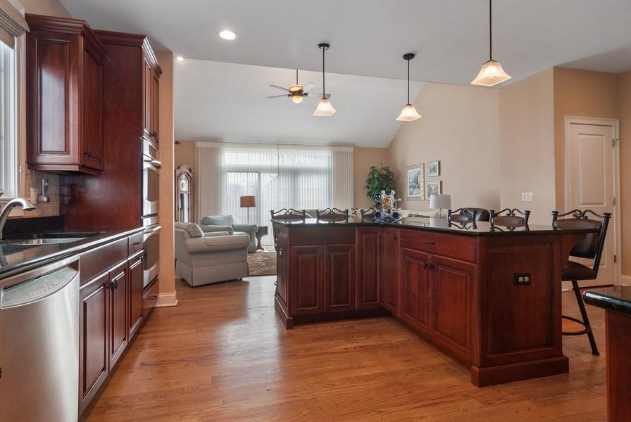 Real Estate Photography - 2707 Nicole Circle, Aurora, IL, 60502 - Kitchen