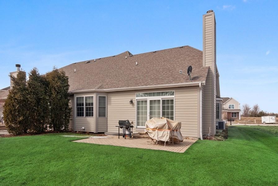 Real Estate Photography - 2707 Nicole Circle, Aurora, IL, 60502 - Rear View