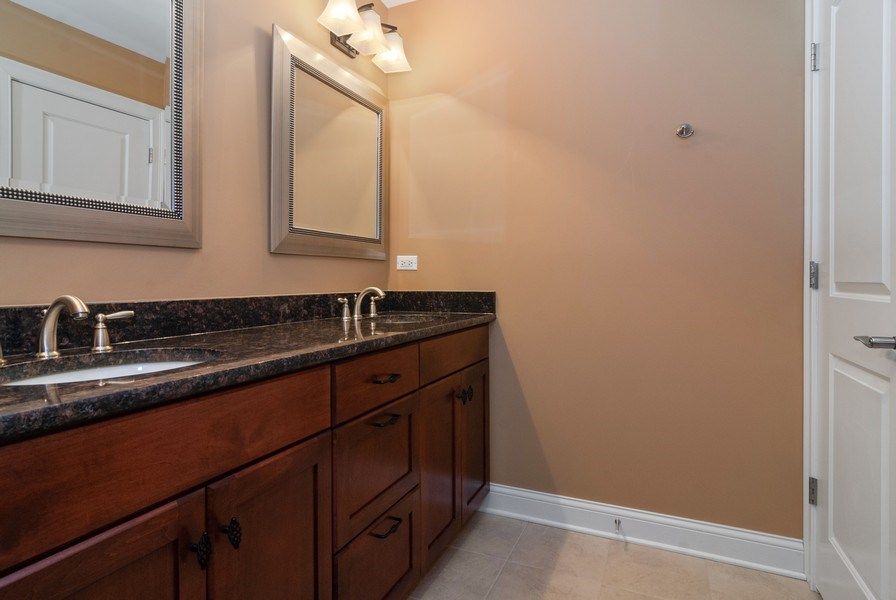 Real Estate Photography - 2707 Nicole Circle, Aurora, IL, 60502 - 2nd Bathroom