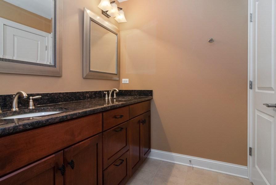 Real Estate Photography - 2707 Nicole Circle, Aurora, IL, 60502 - 2nd Bathroom