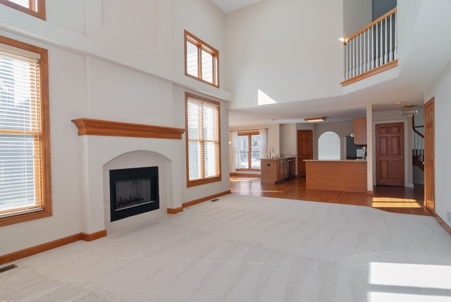 Real Estate Photography - 2565 Chasewood Court, Aurora, IL, 60502 - Family Room