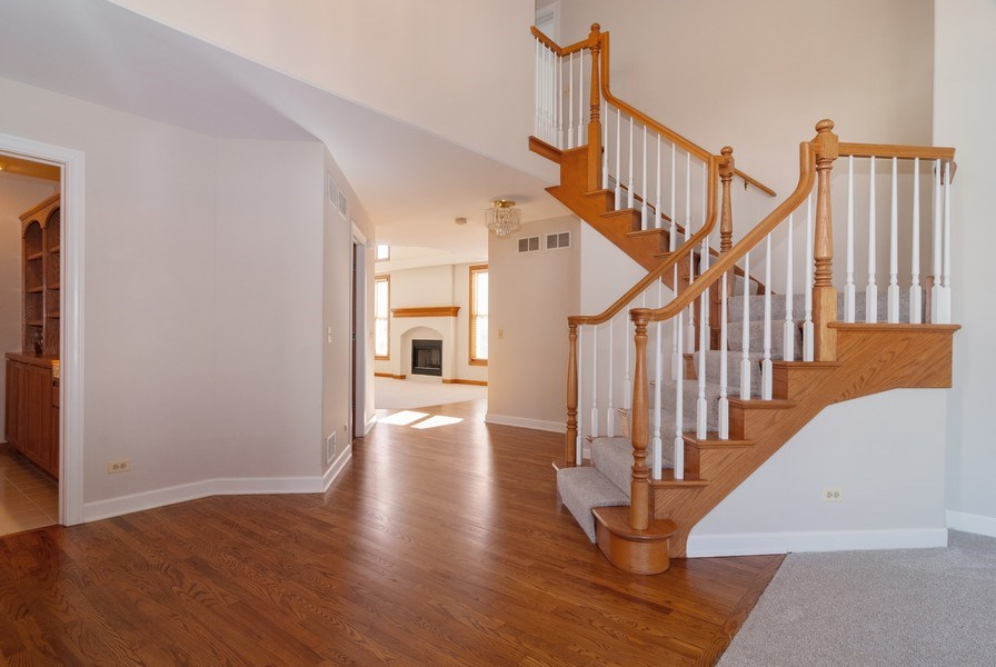 Real Estate Photography - 2565 Chasewood Court, Aurora, IL, 60502 - Foyer