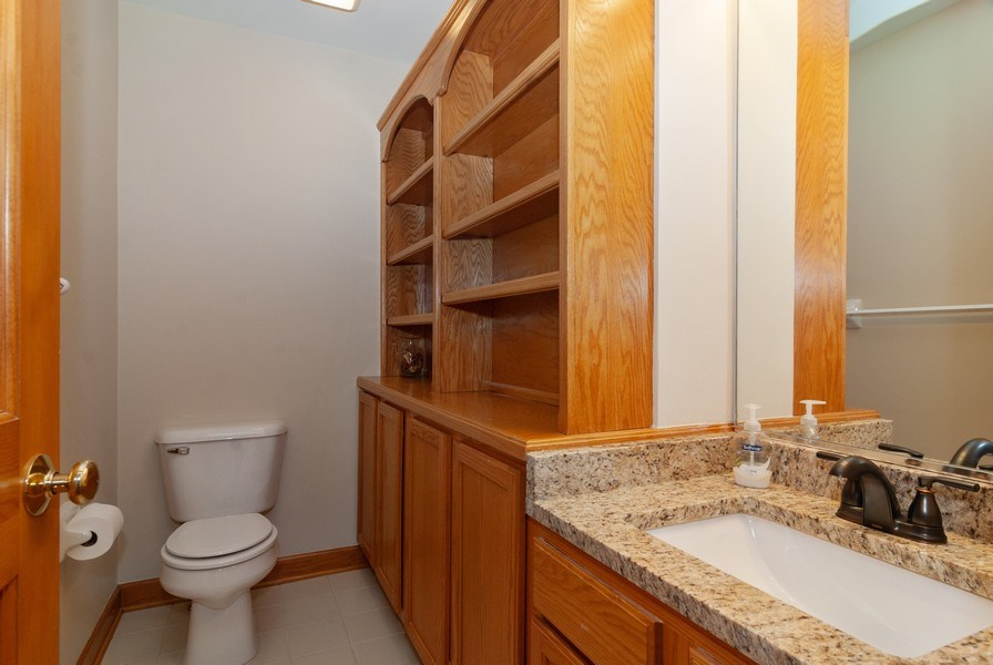 Real Estate Photography - 2565 Chasewood Court, Aurora, IL, 60502 - Bathroom