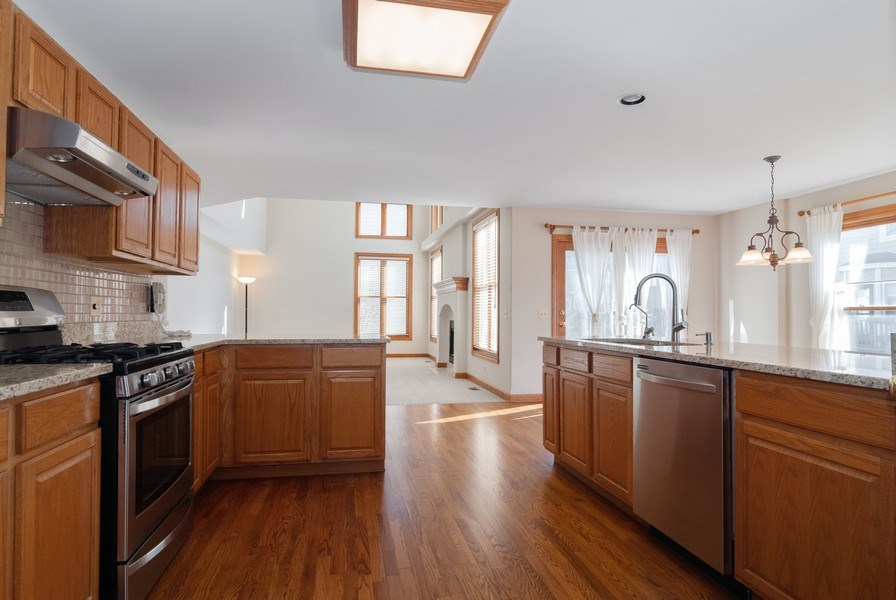 Real Estate Photography - 2565 Chasewood Court, Aurora, IL, 60502 - Family Room / Kitchen