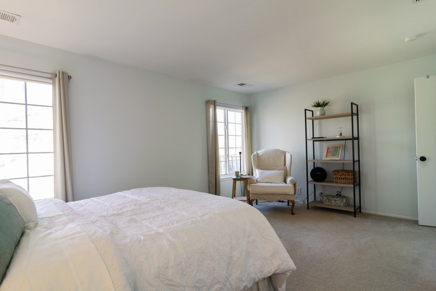 Real Estate Photography - 437 Cromwell Circle, Unit 3, Bartlett, IL, 60103 - Master Bedroom