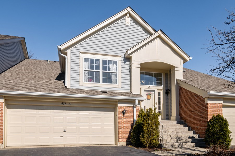 Real Estate Photography - 437 Cromwell Circle, Unit 3, Bartlett, IL, 60103 - Front View