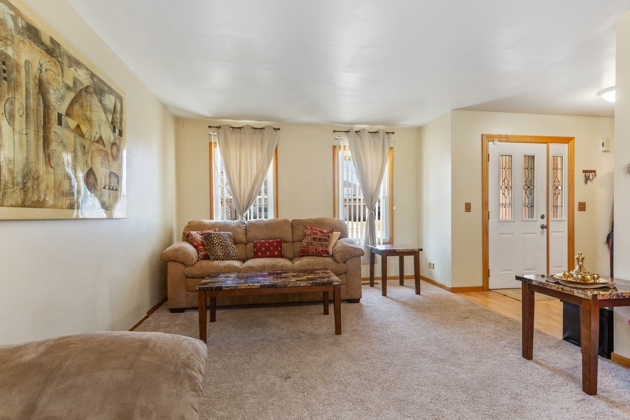 Real Estate Photography - 212 Yellow Pine Drive, Bolingbrook, IL, 60440 - Living Room