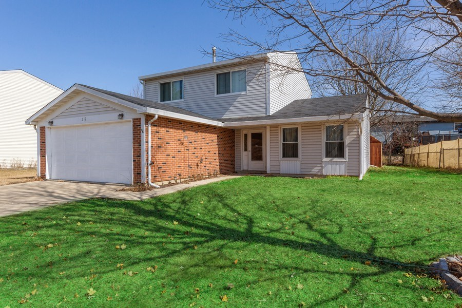 Real Estate Photography - 212 Yellow Pine Drive, Bolingbrook, IL, 60440 - Front View