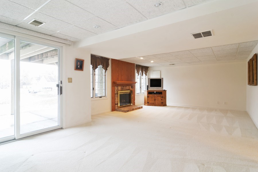 Real Estate Photography - 1384 Shire Circle, Inverness, IL, 60067 - Lower Level
