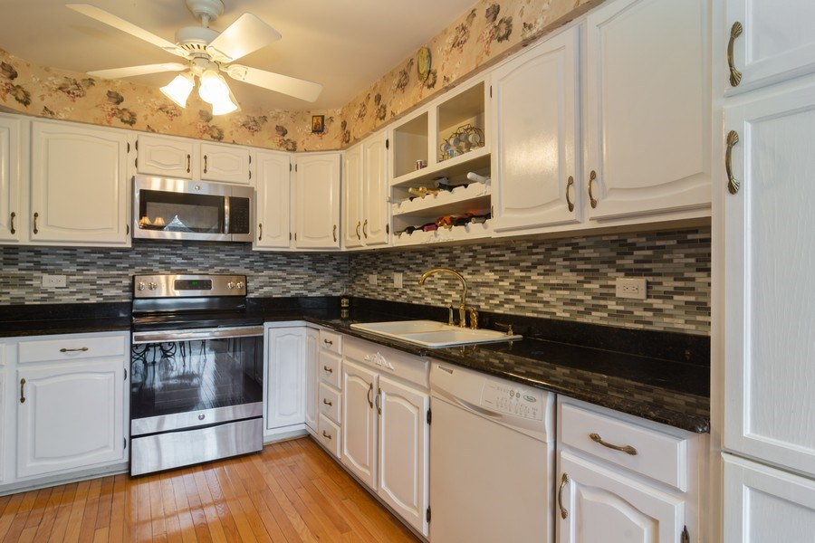 Real Estate Photography - 1384 Shire Circle, Inverness, IL, 60067 - Kitchen